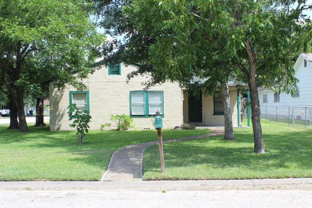 Photo of 312 W Cypress  Edna  TX
