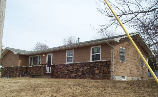 302 Hilldale Ct, Exeter, MO 65647