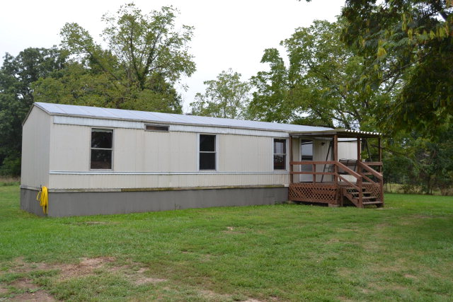 22677 Farm Road 1040, Washburn, MO 65772