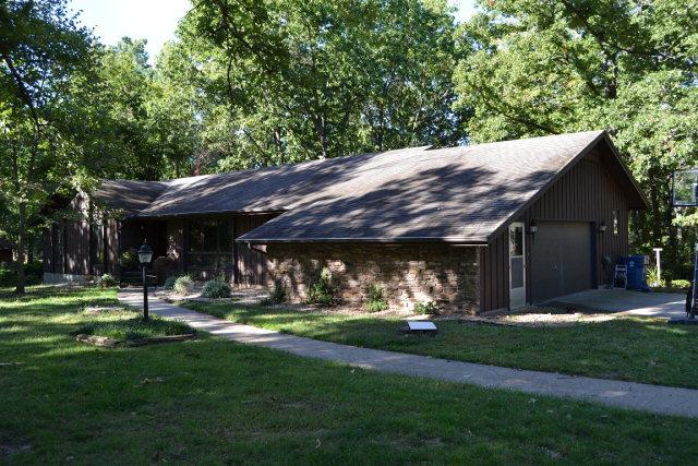 1404 Oak St, Cassville, MO 65625