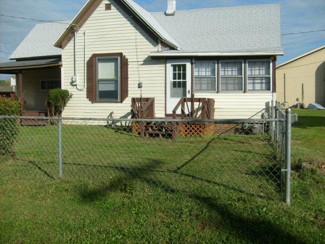 124 S Washington St, Walnut Grove, MO 65770