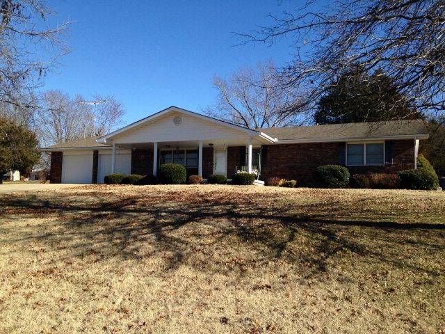 370 Glenwood Cir, Cassville, MO 65625