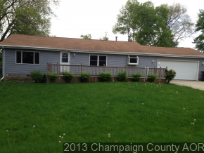315 E Franklin St, Fisher, IL 61843