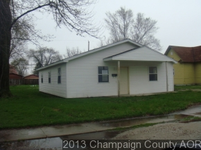 111 W 4th St, Tilton, IL 61833