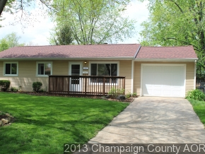 2002 Country Squire Dr, Urbana, IL 61802