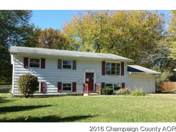 Photo of 435 STANDISH DR  BLOOMINGTON  IL