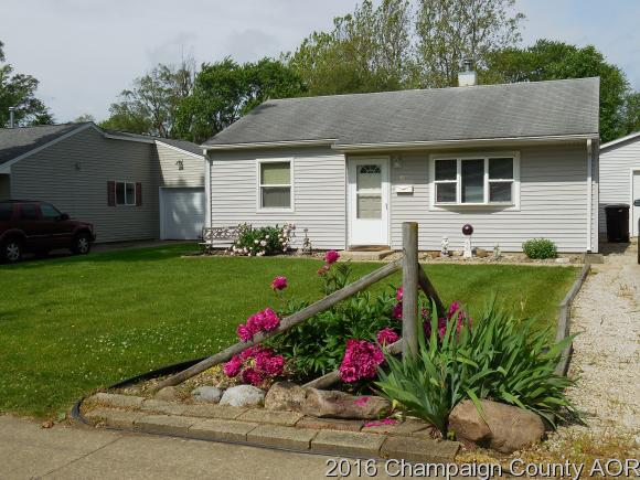 Photo of 821 N MAPLEWOOD DR  RANTOUL  IL