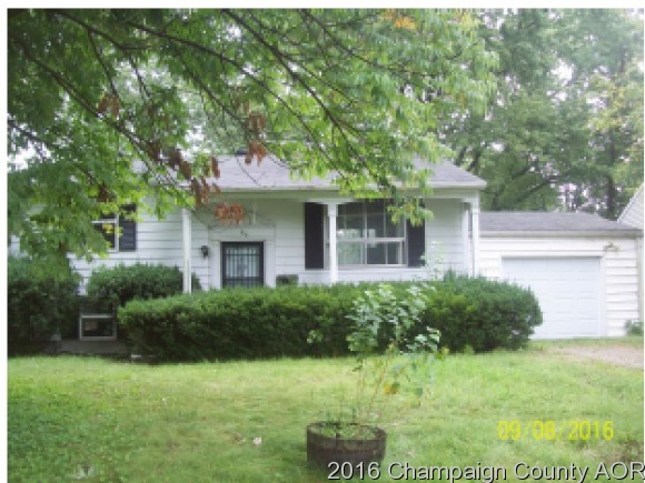 62 Churchill Dr, Chatham, IL 62629