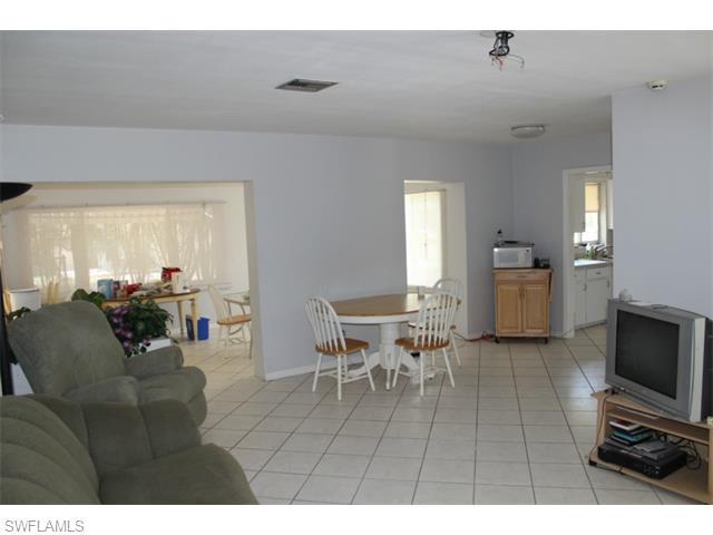 Rental Homes for Rent, ListingId:33002677, location: 4106 W Riverside DR Ft Myers 33901
