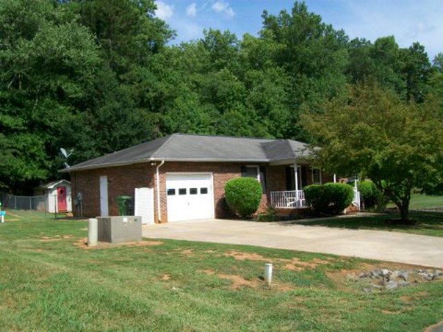 Single Family Home for Sale, ListingId:34418653, location: 104 N College Manor Drive Shelby 28152