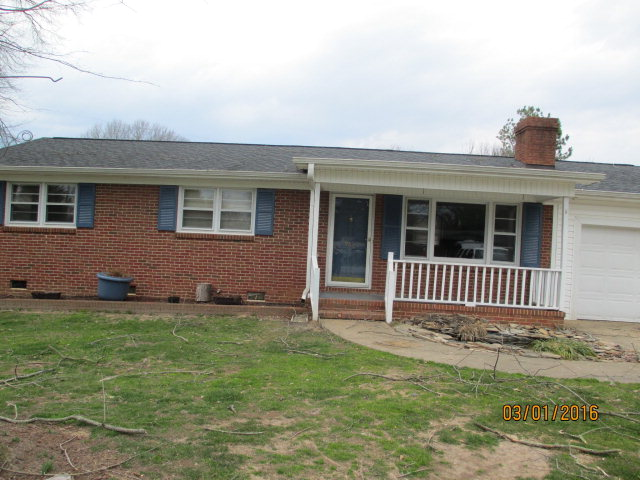 Photo of 806 N Park St  Shelby  NC