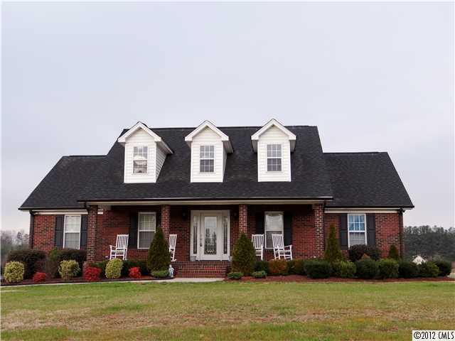 2502 Burton Estates Ln, Lincolnton, NC 28092