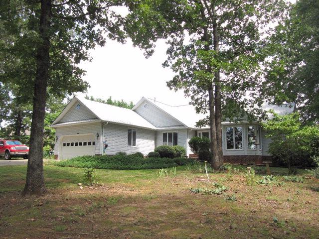 141 Northshore Dr, Cherryville, NC 28021