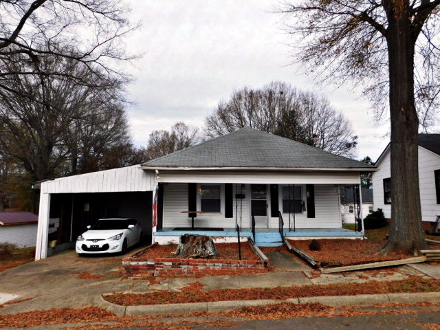 Photo of 404 W First St  Cherryville  NC