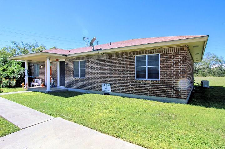 primary photo for 126 Kerry Dr, George West, TX 78022, US