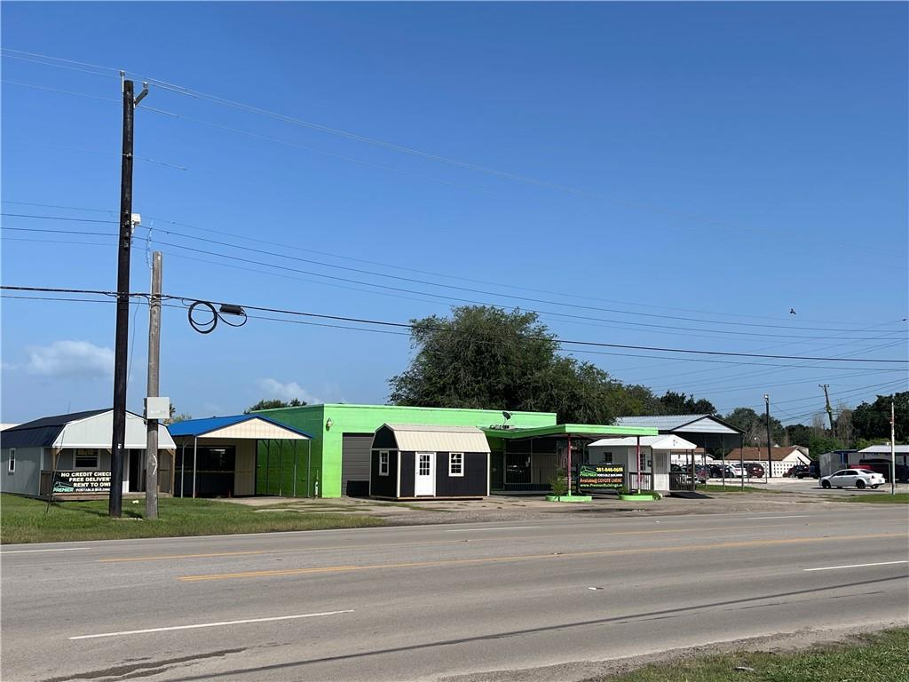 primary photo for 700 N Johnson St, Alice, TX 78332, US