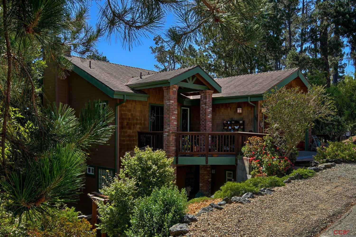 1910 Pineridge Dr, Cambria, CA 93428