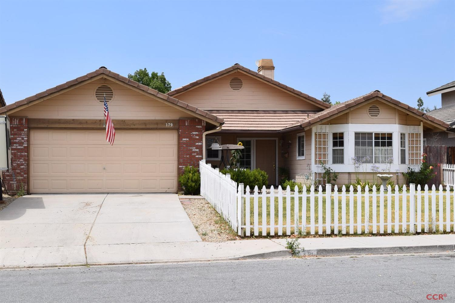 179 Riverbank Ln, Paso Robles, CA 93446