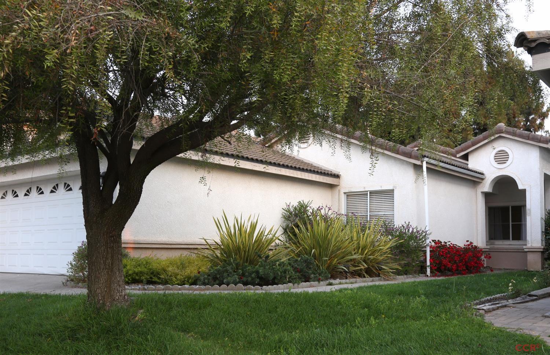 434 Hawthorn St, Santa Maria, CA 93458