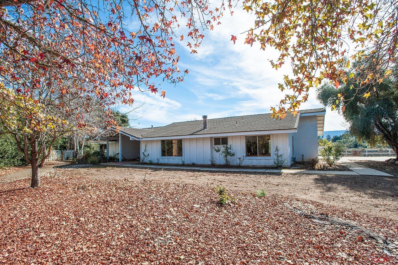 954 Elk Grove Ln, Solvang, CA 93463