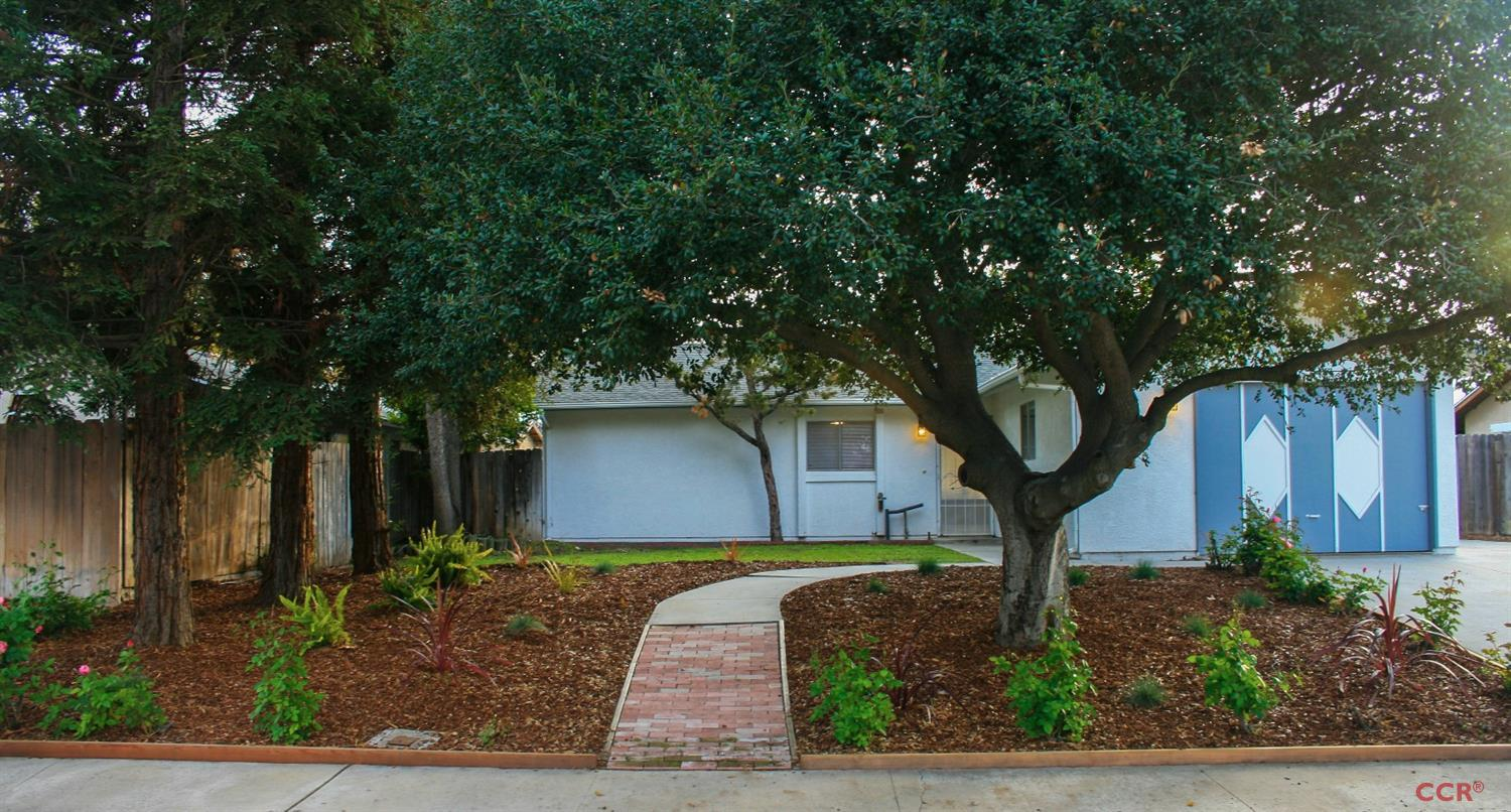Photo of 1804 Redwood Drive  Paso Robles  CA