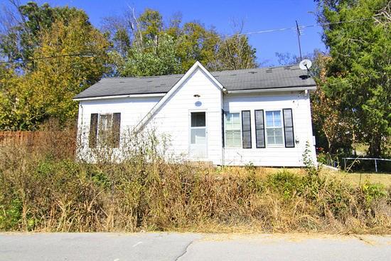 548 Market St, Millersville, MO 63766
