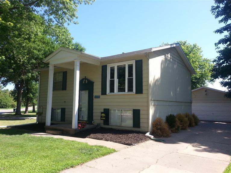 Real Estate for Sale, ListingId: 28781660, Clinton,IA52732