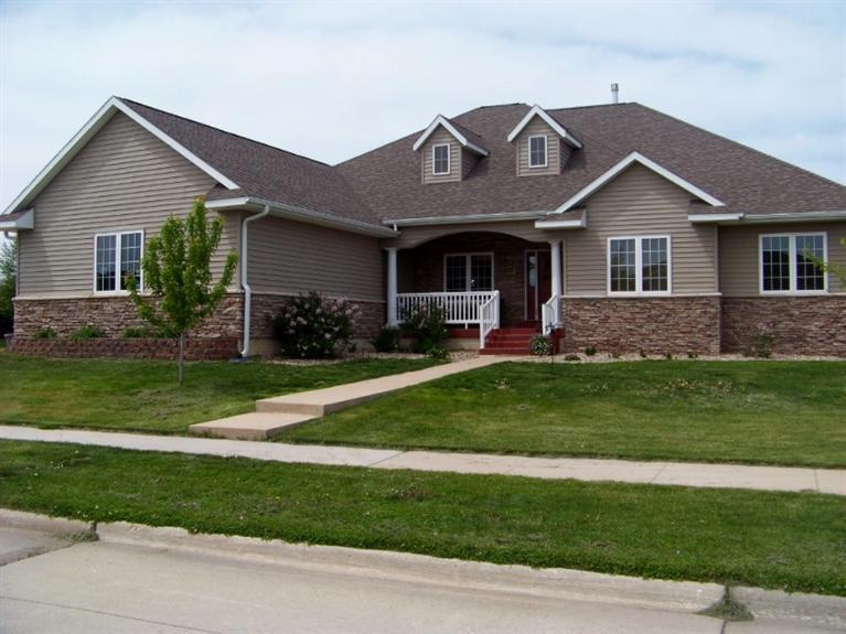Real Estate for Sale, ListingId: 32037490, Mason City,IA50401
