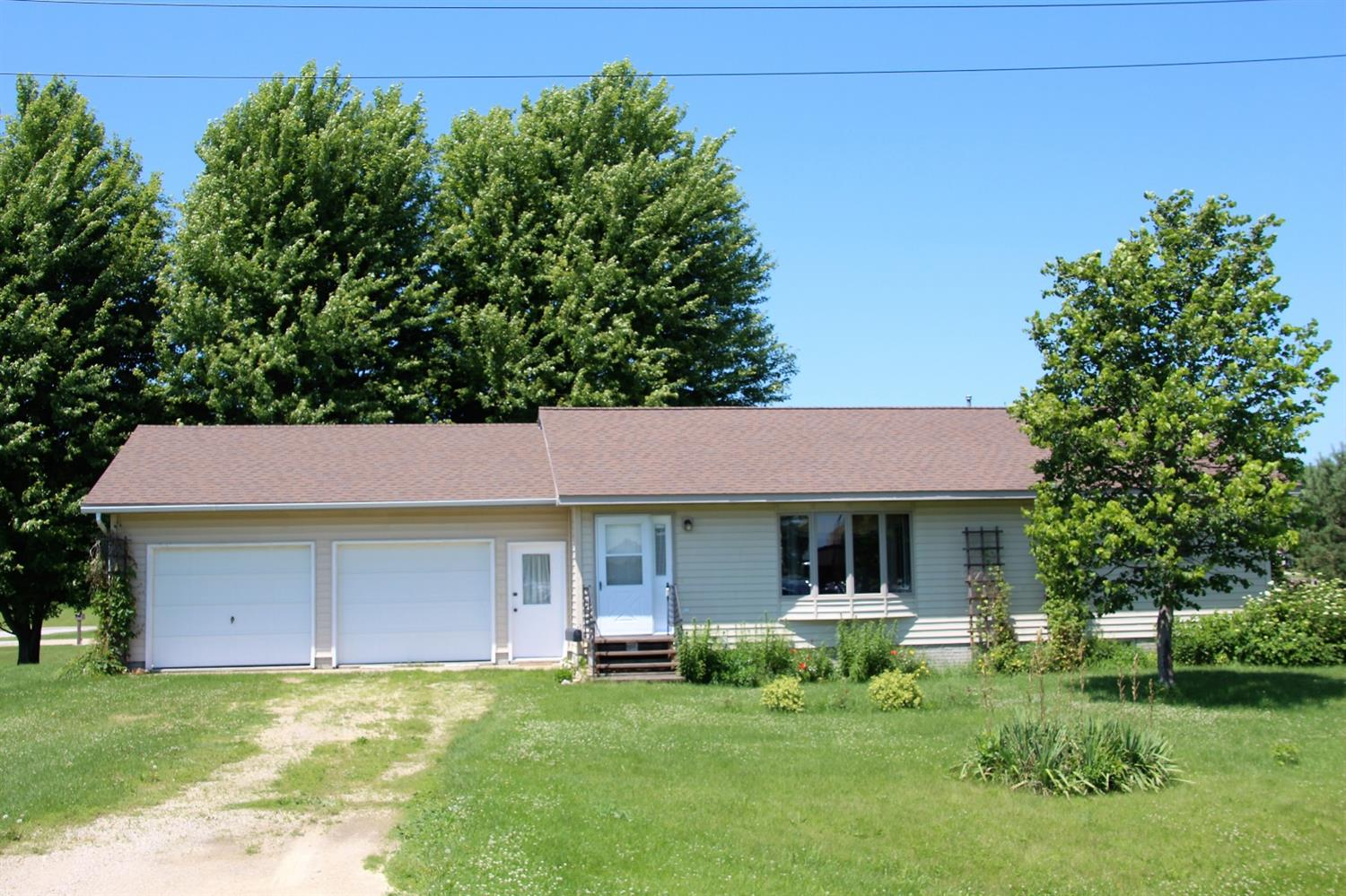 Photo of 106 9th Street Southeast  Rockford  IA