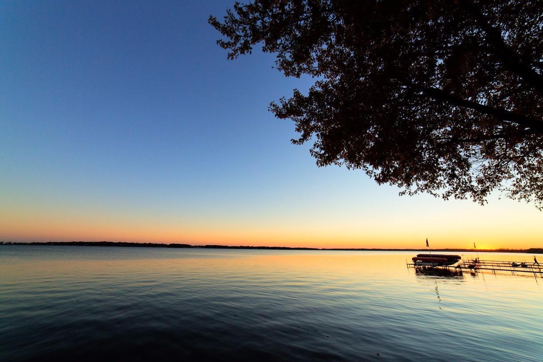 2101 N Shore Dr, Clear Lake, IA 50428