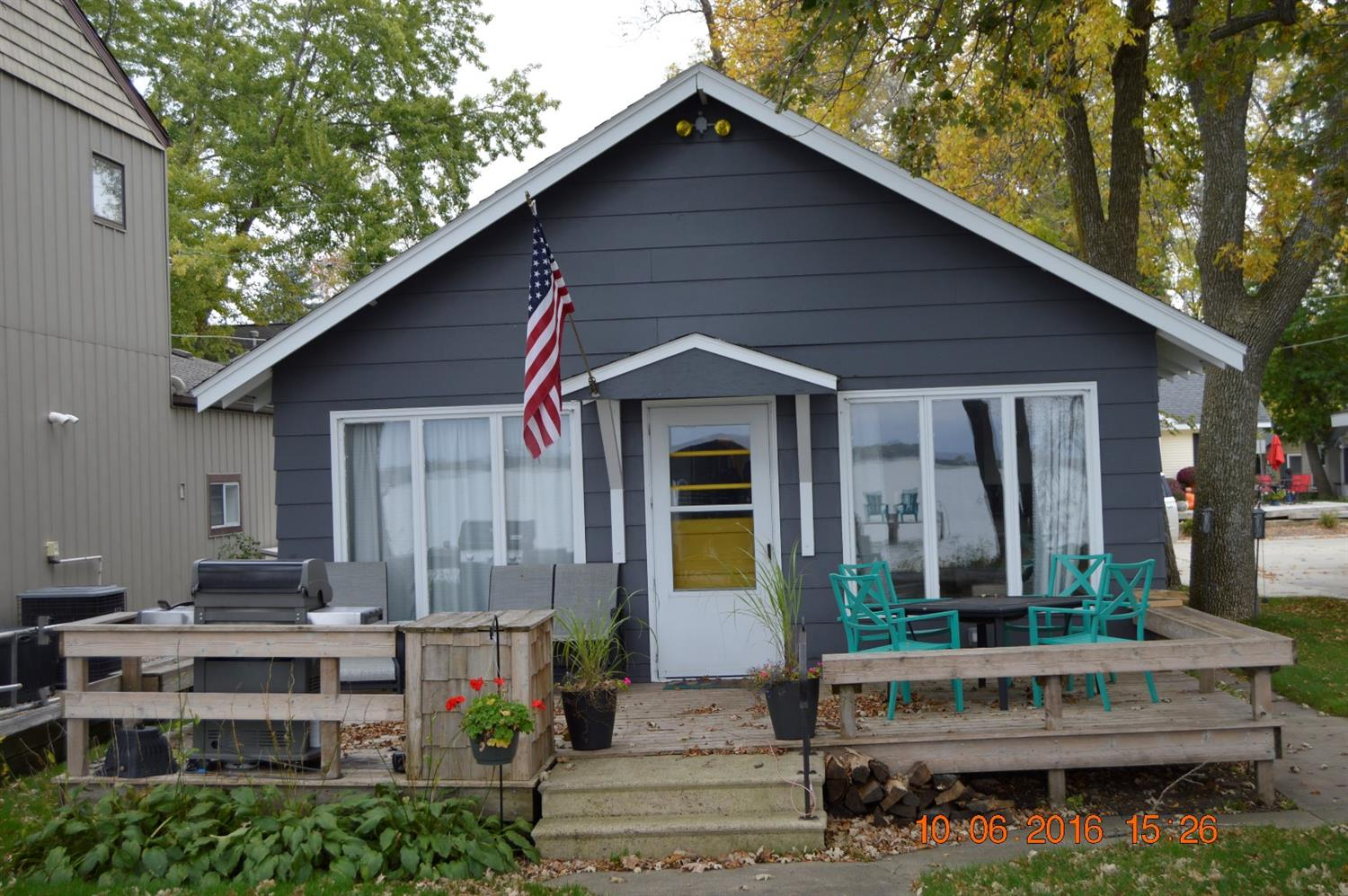 1405 S Lakeview Dr, Clear Lake, IA 50428