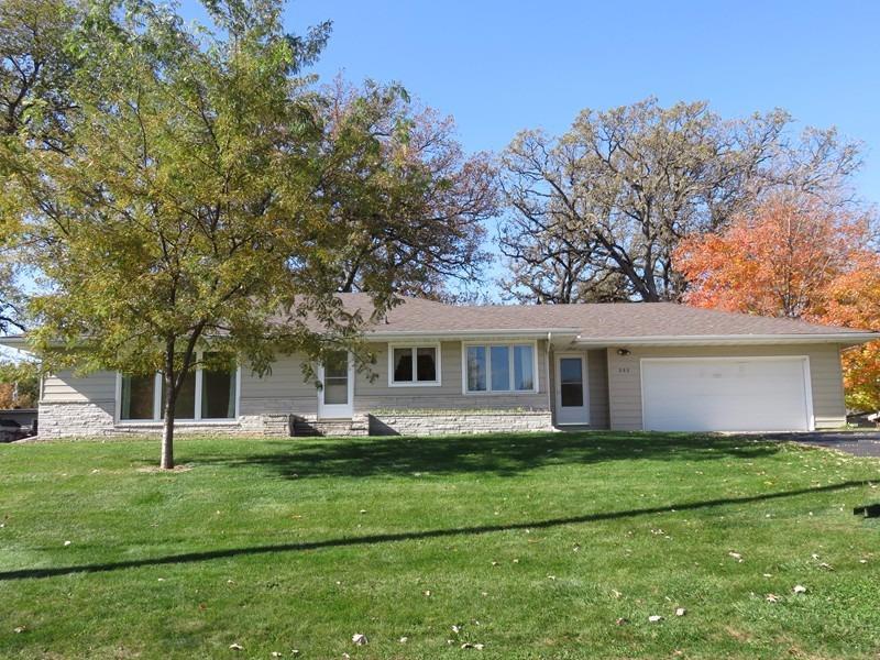 605 17th St W, Clear Lake, IA 50428