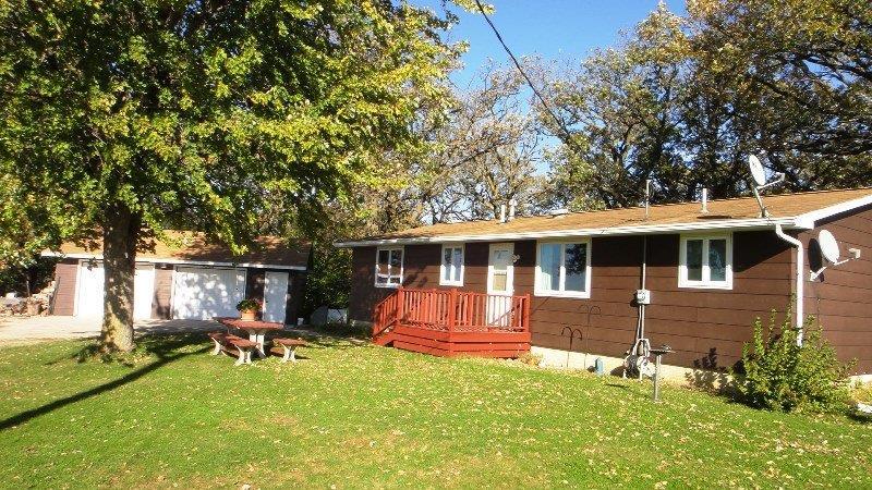 7867 290th St, Clear Lake, IA 50428