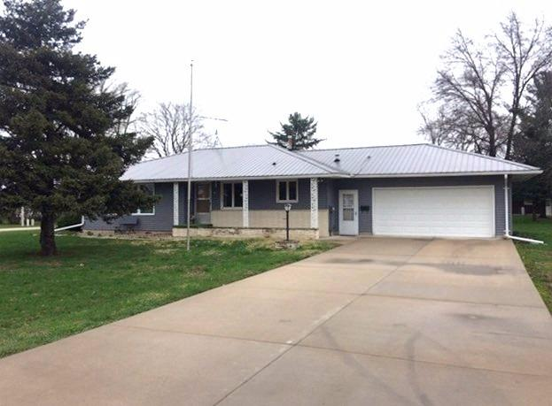 Photo of 601 1st Ave  Floyd  IA
