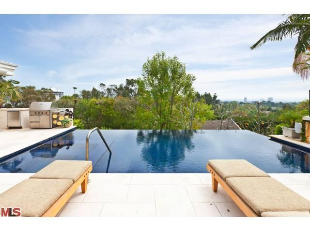 378 Fordyce Rd, Los Angeles, CA 90049