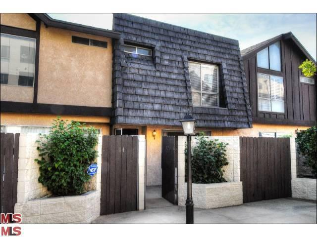 Rental Homes for Rent, ListingId:24047053, location: 5461 NEWCASTLE Avenue Encino 91316