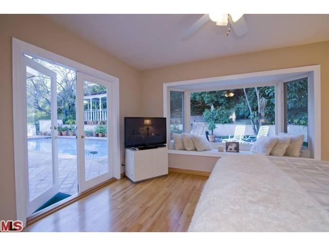 3320 Longridge Ave, Sherman Oaks, CA 91423
