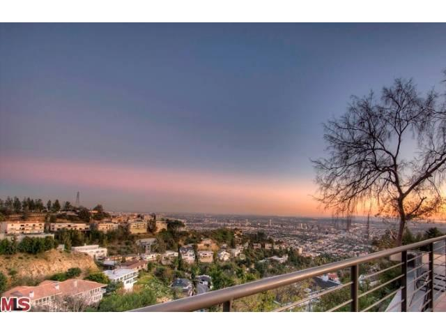 1874 Sunset Plaza Dr, West Hollywood, CA 90069