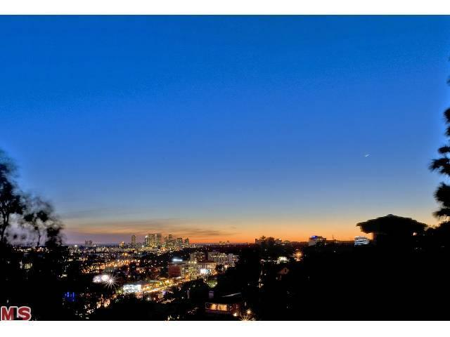 1377 Miller Pl, West Hollywood, CA 90069
