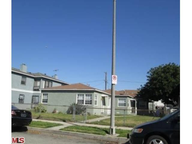 9124 S Manhattan Pl, Los Angeles, CA 90047