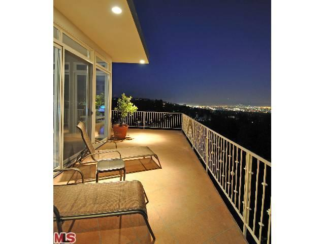 Rental Homes for Rent, ListingId:22958804, location: 940 STRADELLA Road Los Angeles 90077