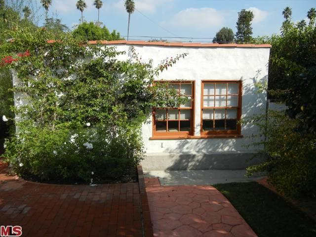 Rental Homes for Rent, ListingId:23073295, location: 926 GRETNA GREEN Way Los Angeles 90049