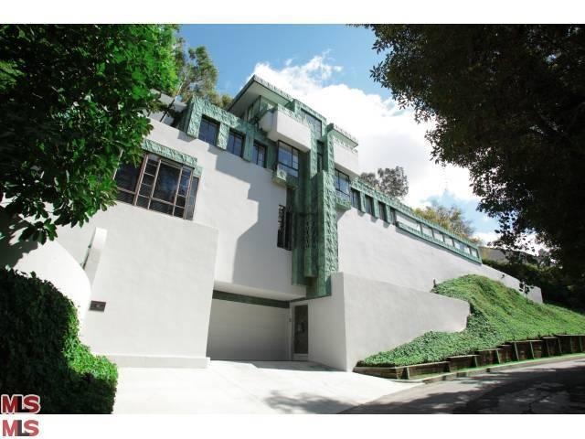 2255 Verde Oak Dr, Los Angeles, CA 90068