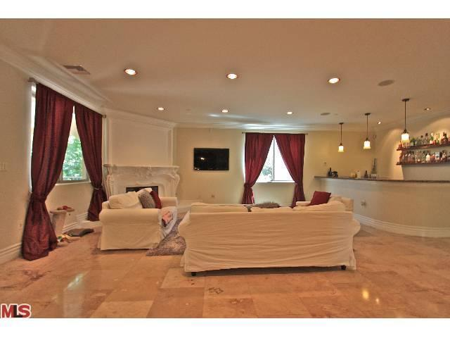 14339 Valley Vista Blvd, Sherman Oaks, CA 91423