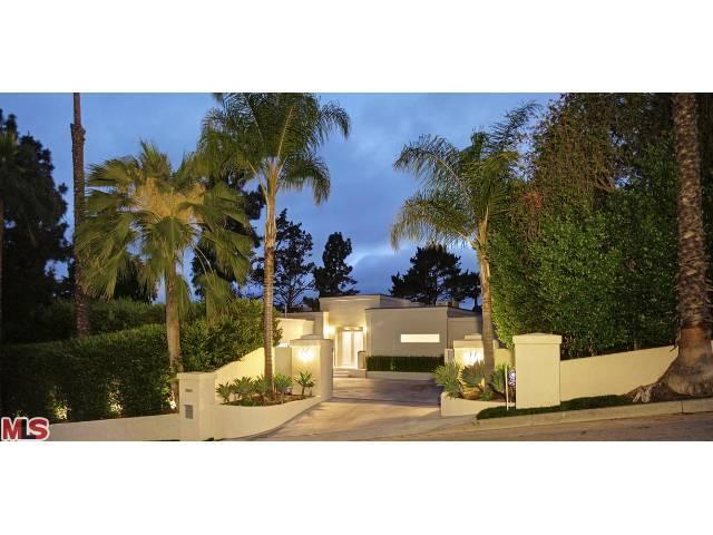 2985 Hutton Dr, Beverly Hills, CA 90210