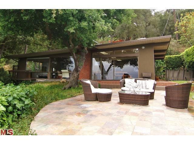 15142 Mulholland Dr, Los Angeles, CA 90077