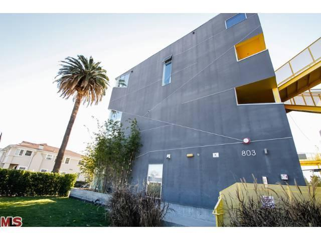 Rental Homes for Rent, ListingId:23489690, location: 803 WILCOX Avenue Los Angeles 90038