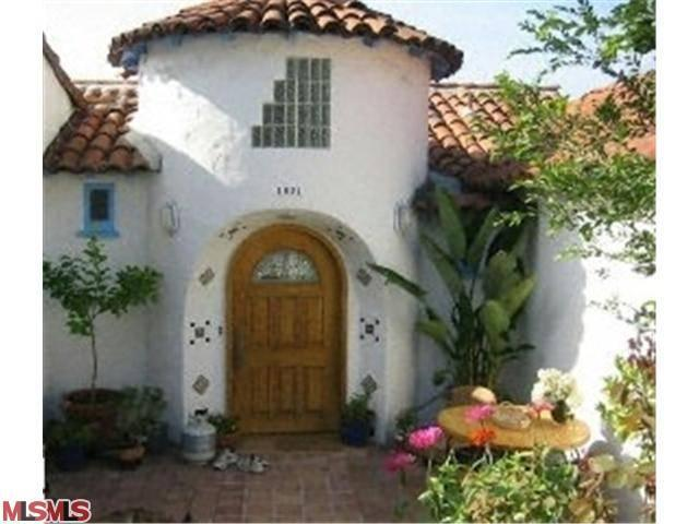 Rental Homes for Rent, ListingId:23569145, location: 1621 SILVERWOOD Terrace Los Angeles 90026
