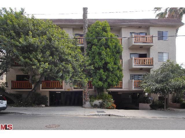 832 Palm Ave # 302, West Hollywood, CA 90069
