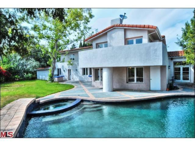 2715 N Aqua Verde Cir, Los Angeles, CA 90077